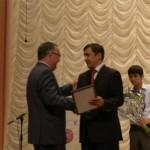 Вручение благодарственных писем и наград членам Корпоративного Университета в Карагандинском областном казахском драматическом театре им. Сакена Сейфуллина