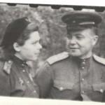 О.Н.Петренко и А.Т.Петренко, 3-й Укр. фронт, г.Бухарест, 1945 г 001