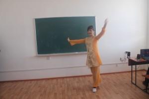 Акашева Жанар. Уйгурский танец. БТ-13-2