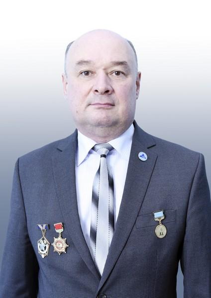 Булатбаев Феликс Назымович, декан ФЭАТ
